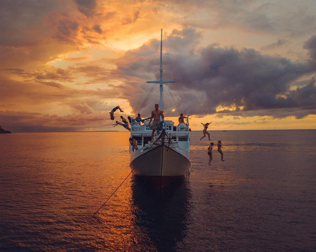 How to Plan a Liveaboard Labuan Bajo Trip with Friends